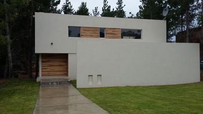 Casa 3 Dormitorios , Sala Auxiliar , 4 Baños - Golf 27 Hoyos