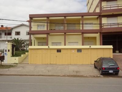 V.gesell Alq/centro / 1/2 Cuadra Del Mar /wi-fi/semana Santa