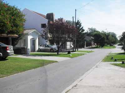 Chalet Barrio.consti, Cochera Cerrada , Parque 700 $ P/dia