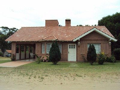 Alquiler/venta De Casa En Valeria Del Mar - Pinamar.