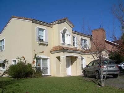 Casa En Venta De 4 Ambientes En Los Castores