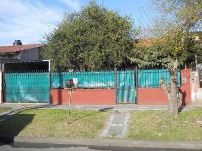Casa En Venta De 3 Ambientes En Lomas De Zamora