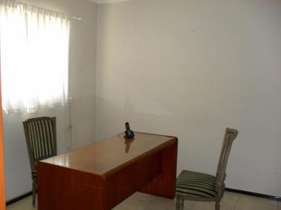 Oficina En Alquiler, Impecable Y En Excelente Ubicación
