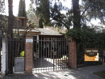 Casa En Venta De 4 Ambientes En Santos Tesei