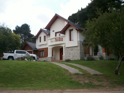 Alquilo Chalet 1er Nivel Pinamar ( Golf) Aire/ac Piscina