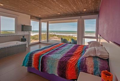 Casa En La Playa Frente Al Mar $2000