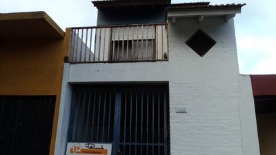 Casa En Venta De 3 Ambientes En Centro