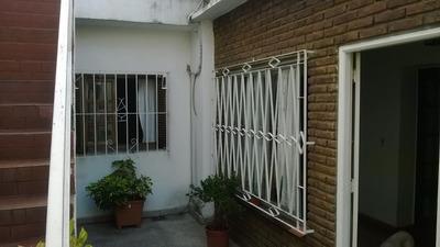 Venta Casa 3 Amb. C/ Terraza Y Cochera En Parque Avellaneda