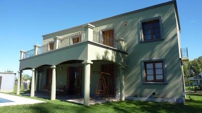 Hermosa Casa En Barrio Cerrado Campo De Roca