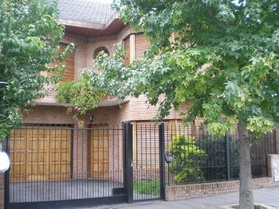 Casa En Venta De 5 Ambientes En Ramos Mej¿a