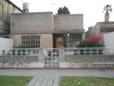 Casa En Venta De 3 Ambientes En Banfield