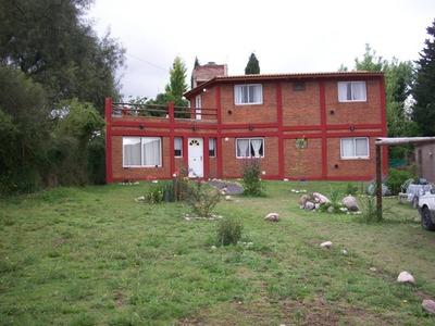 Casa En Venta De 4 Ambientes En Barrio Residencial Villa Kins