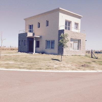Casa En Alquiler De 3 Dormitorios En El Cantã³n Puerto
