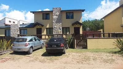 Villa Gesell Frente Al Mar En B°norte