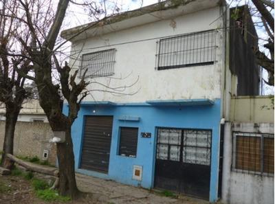 Vendo Casa Con Lñocal Fcio Varela Barrio Malvinas