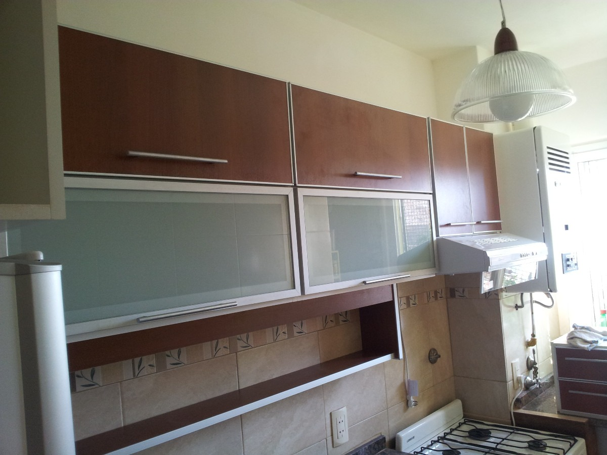 Cocinas segunda mano granada stunning puertas de madera for Muebles de cocina en granada