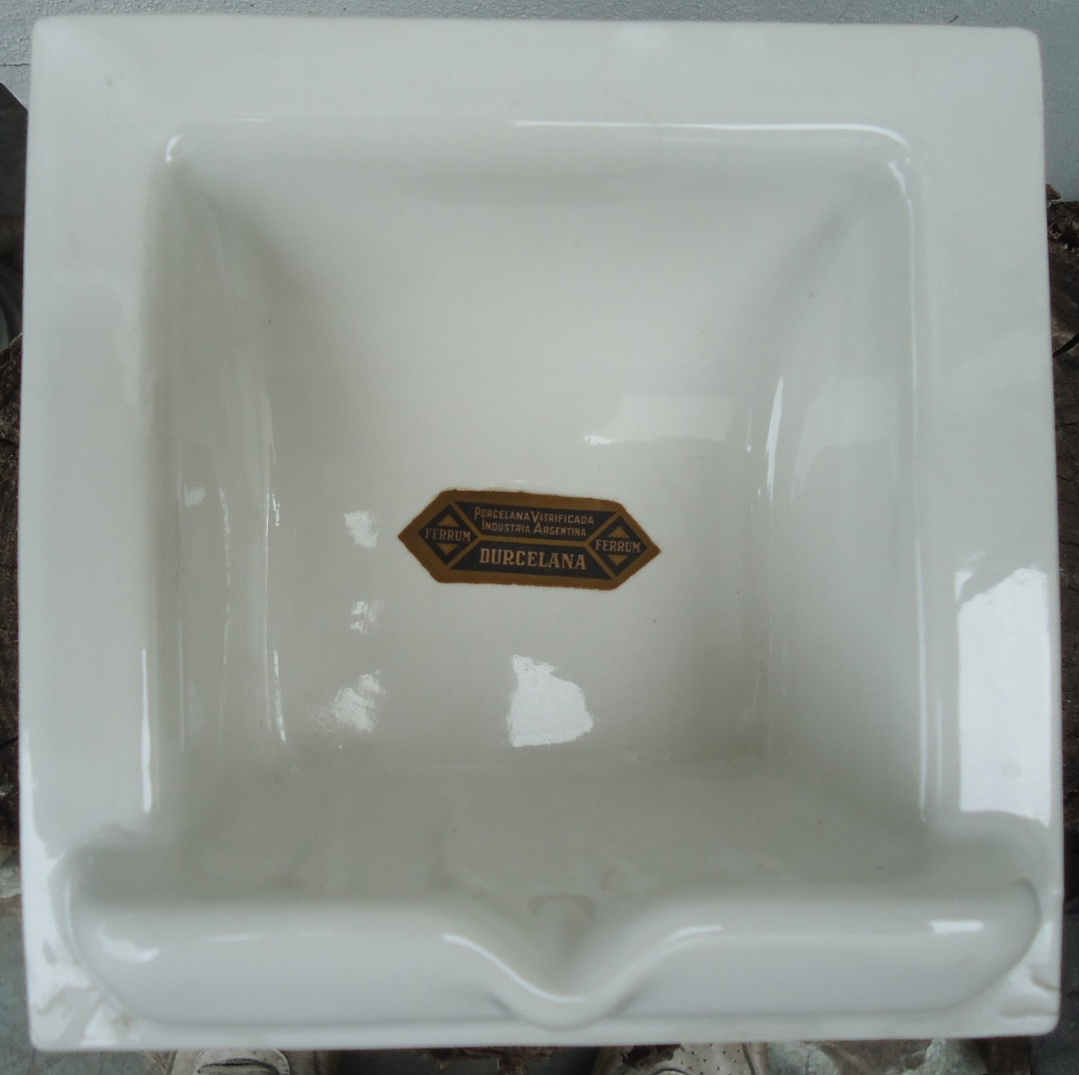 Juegos de ba o ferrum for Lavadero porcelana