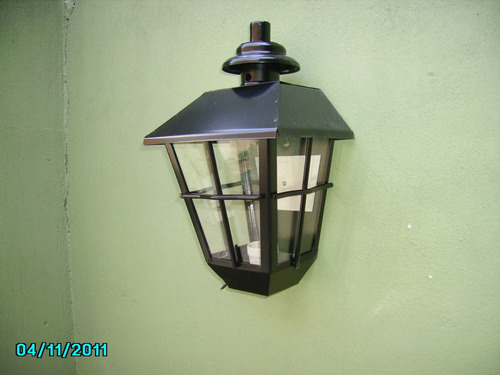 lampara jardin pared